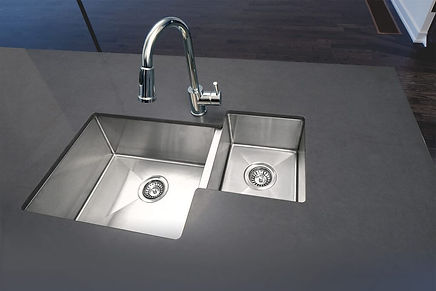 Modern stainless steel kitchen sink perfect for any kitchen
