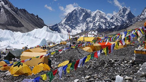 Everest Basecamp trek: Private guide vs Tour package
