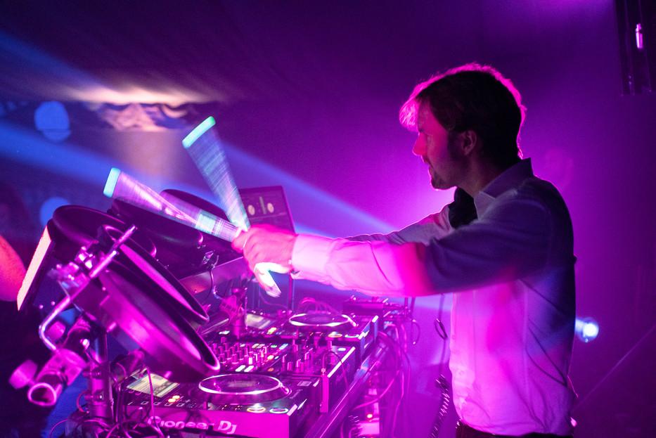 Amazing DJs