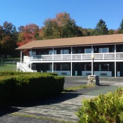 Upper Motel