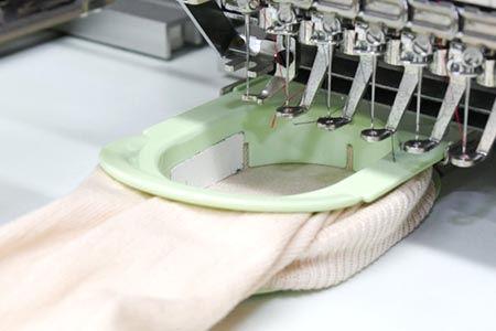 枠張り技術 日本, 靴下 生産, 靴下 刺繍, 刺繍業界 筒物, フートカバー 刺繍, タイツ 刺繍, 高品質 刺繍, 品質 刺繍, 安心 刺繍, ポイント 刺繍,刺繍 靴下 会社,