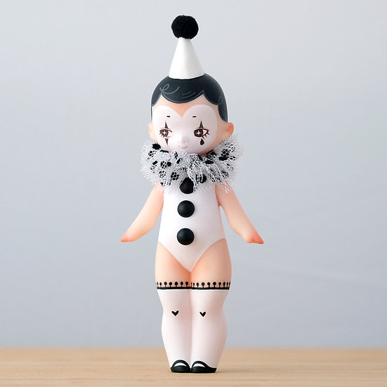 Resin Art Toy: Classic Pierrot Mota