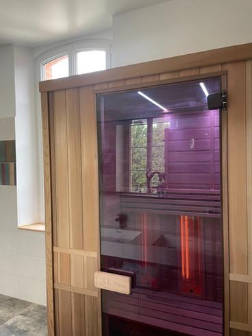 Sauna en marche avec luminothérapie.jpg