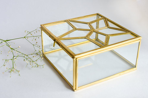 Taara Glass Box
