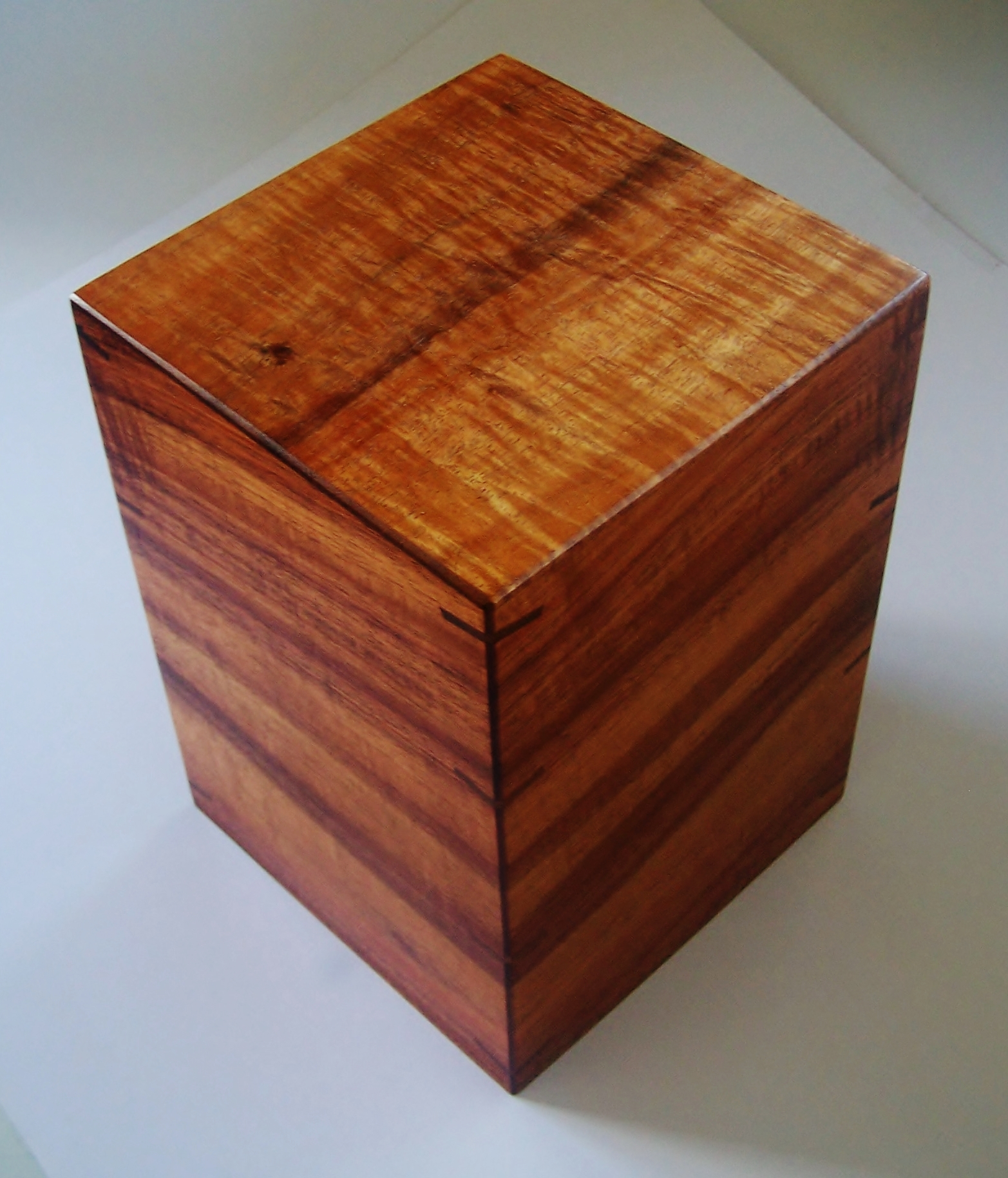 Curly Koa Urn Top