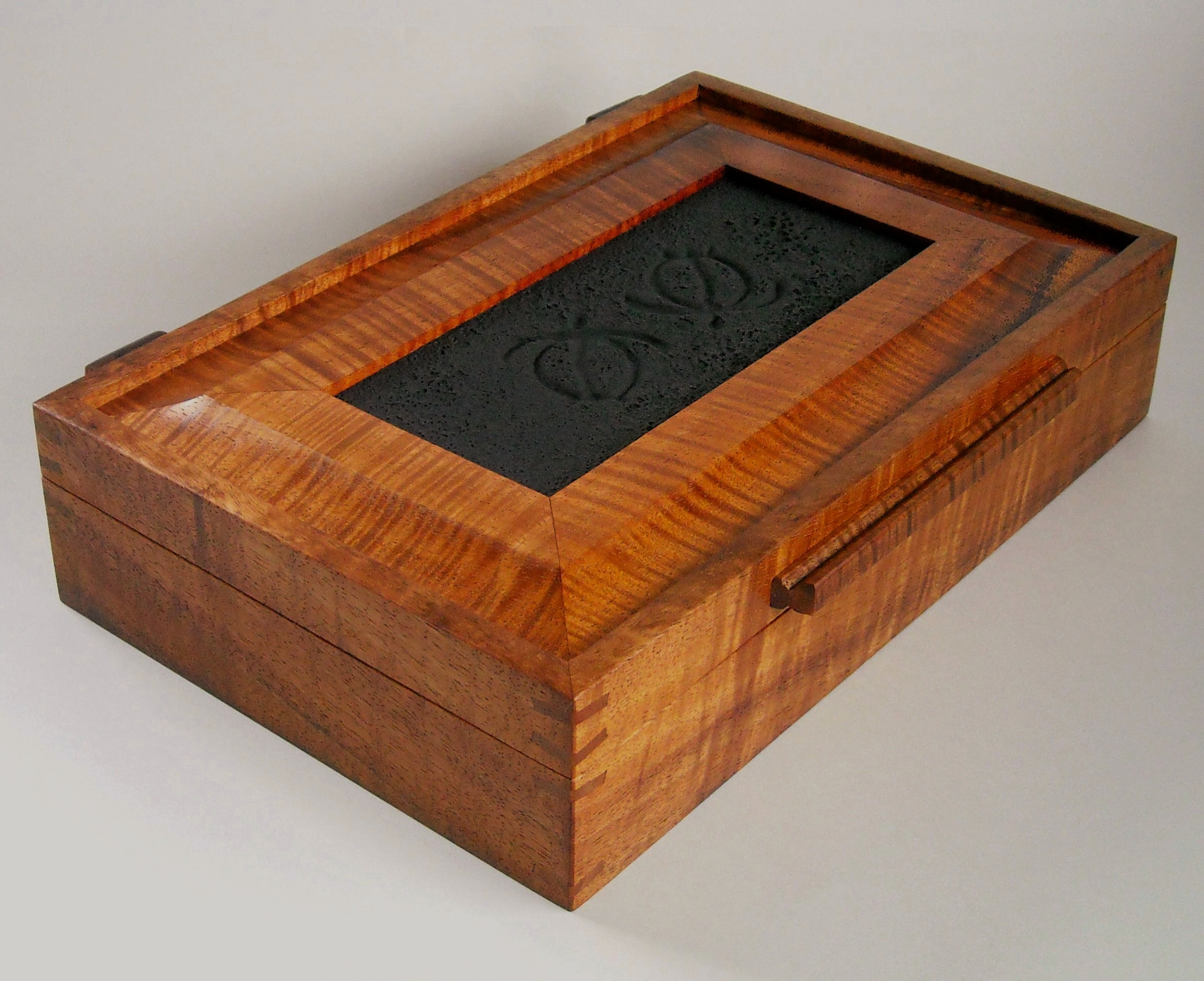 Koa Turtle Valet Box