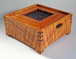 Footed Koa Box with Turtle Tile