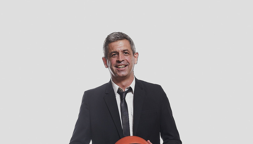 Pablo Castro sigue en el León
