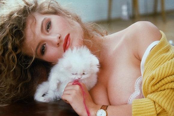 Pretty Kitty 04