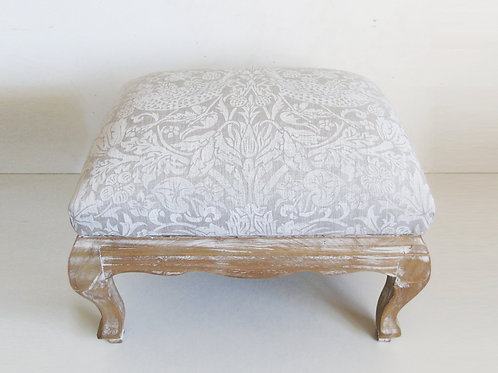 "17.5"" x 13"" Pure White William Morris Linen strawberry Thief Foot Stool"