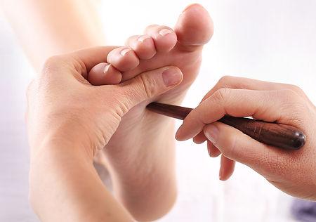 foot-acupressure-method.jpg