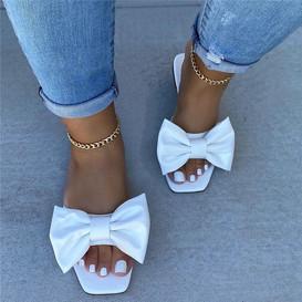 white bowsludes.jpg