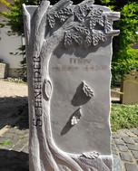Grabstein Eichenbaum
