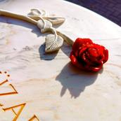 Grabstein Rose