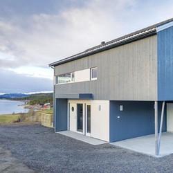 Første hus av 5 i Solheimhagen ved vakre Geitnesvågen ferdigstilt. Huset ligger nå ute for salg._._.