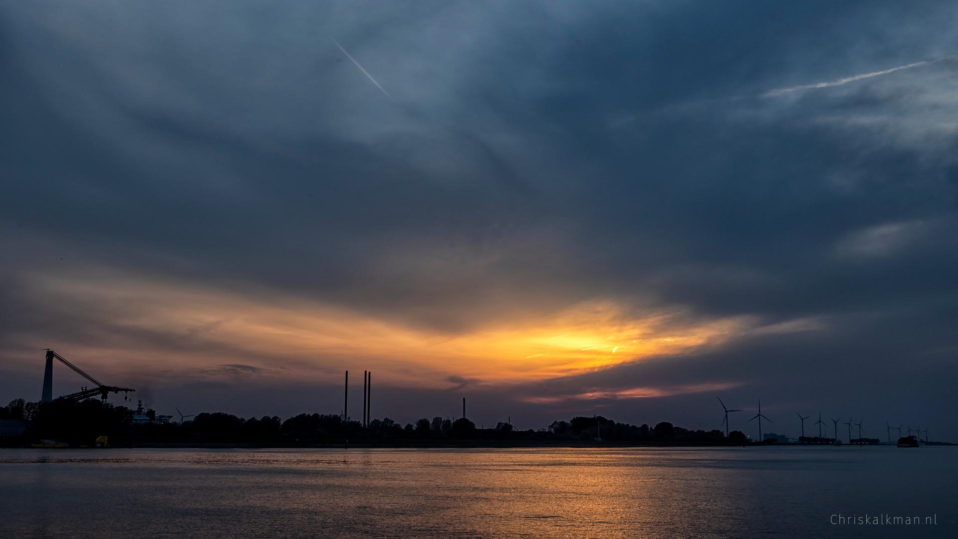 Zonsondergang 23 april 2019 kl.jpg