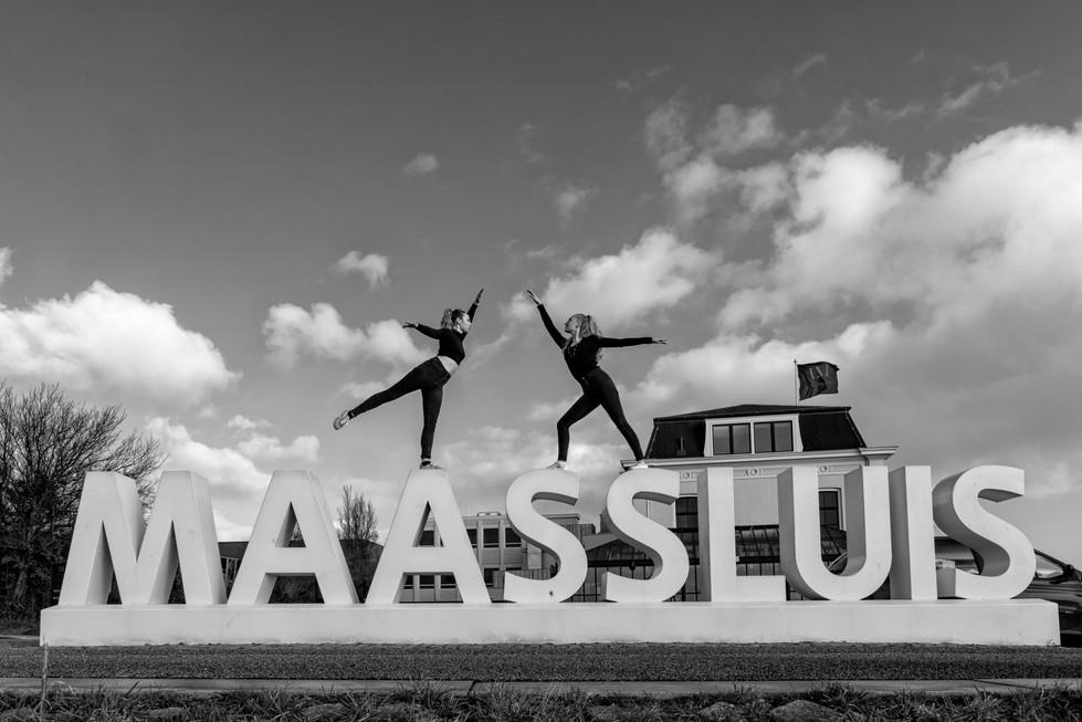 Ballerina Maassluis Letters zw.jpg