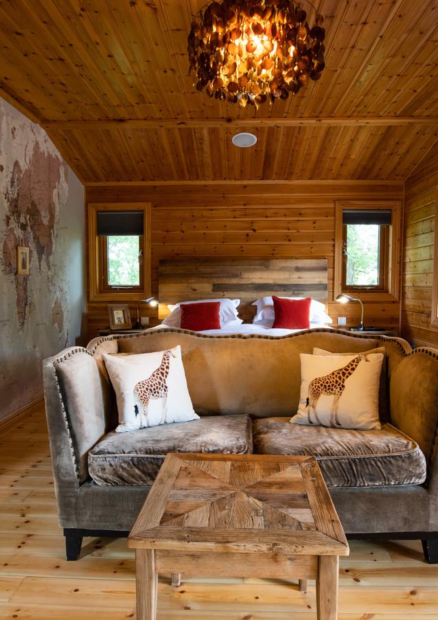Bazare Log Cabin
