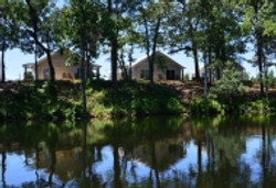 15560485341474594274cottages lake view