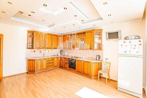 3-к квартира, 150 м², 4/7 эт., Полины Осипенко улица, 22