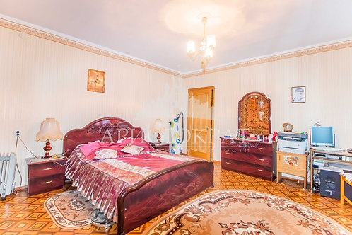 3-к квартира, 93 м², 1/5 эт., Токмакова 21