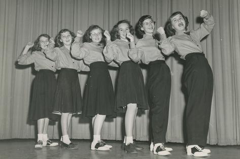 AHS Cheerleaders: 1949-50