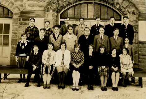 Students at Central, Pre-1907