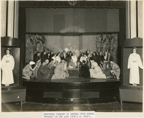 Christmas_Pageant_30s_40s_.jpg