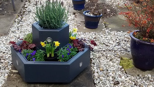 Solar hexagon planter