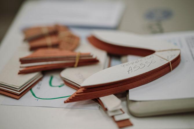 azienda leader dei contrafforti in tessuto termoplastico, salpa, cuoio, puntali e rinforzi per calzature
