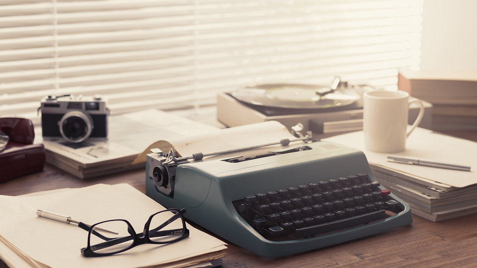 writer-and-journalist-vintage-desktop-wi