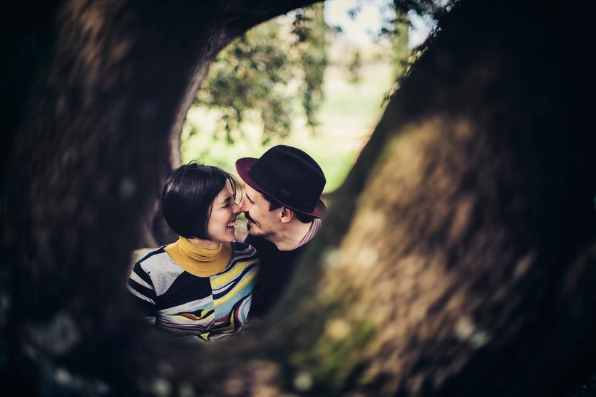 servizio fotografico di gravidanza nel bosco