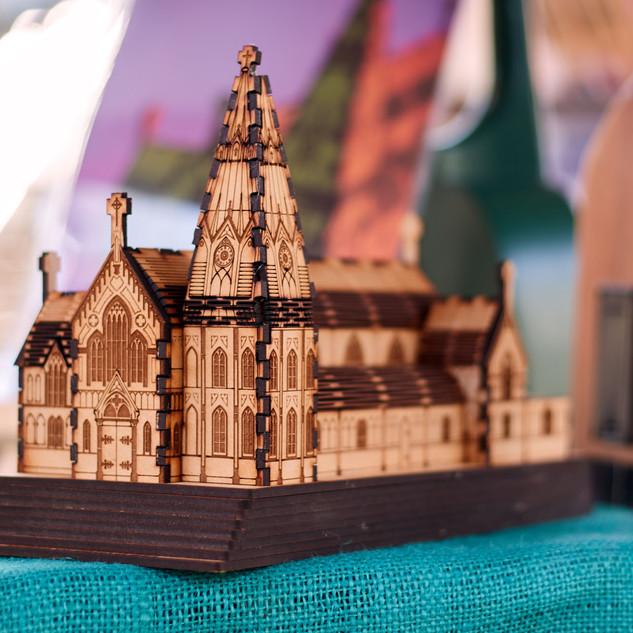 Catedral San Marcos - Réplica Tridimensional en Madera (Armable) (QIRI)