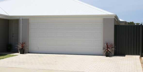garage door pic 3