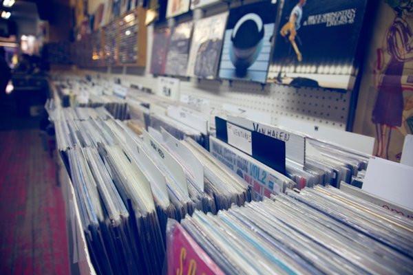 Cómo cuidar y limpiar discos de vinilo