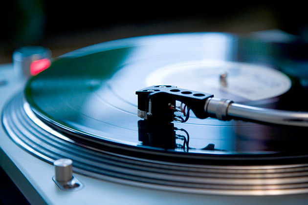 Cuidado y limpieza de discos de vinilo