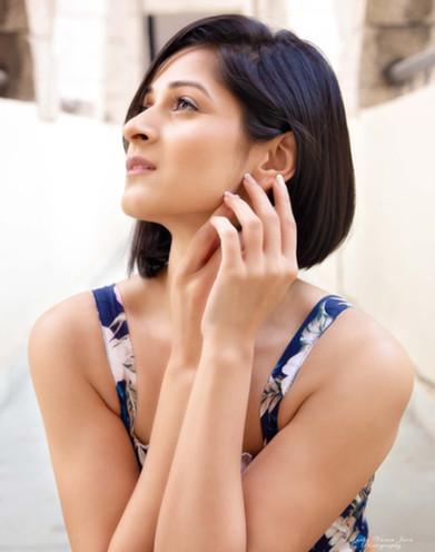 fashion photography pose style model portrait sakshi gupta closeup sexy happy
