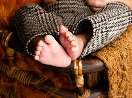 newborn photography chennai baby cute boy handsome cane basket retro brown feet macro