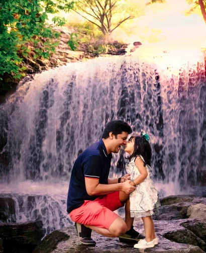 family photography poses outdoor father daughter love kiss