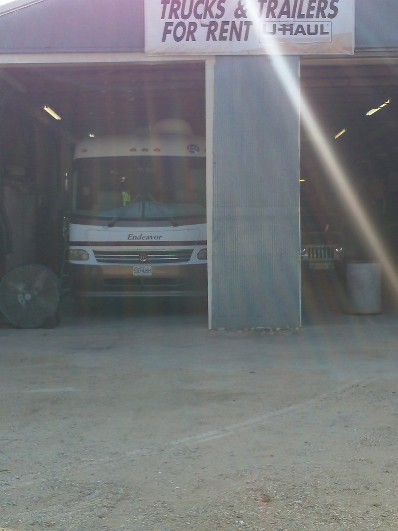 we have 3 bays and a hitch area.JPG