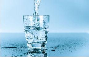 verre%20d'eau_edited.jpg