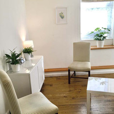 Anna-Batey-Counselling-Seating-Area.jpg