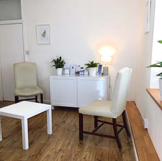 Anna-Batey-Counselling-Seating-Area-Alternative-View.jpg
