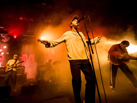 LIVE REVIEW: An Intimate Candlelit Dinner With DMA's @ The Tivoli