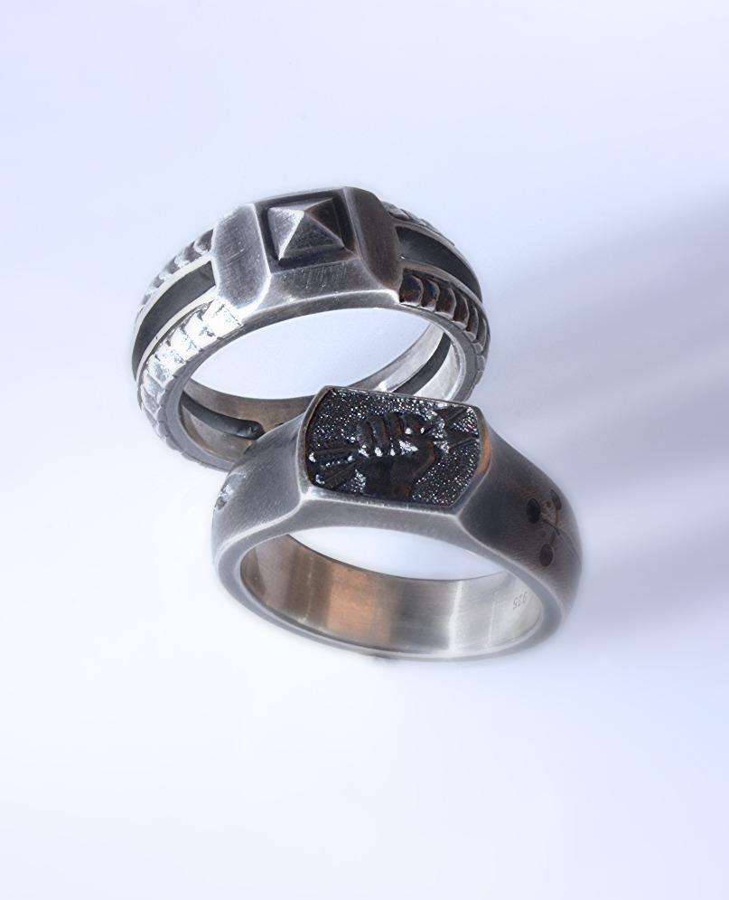 Ring Pyramide/ Blitzfaust