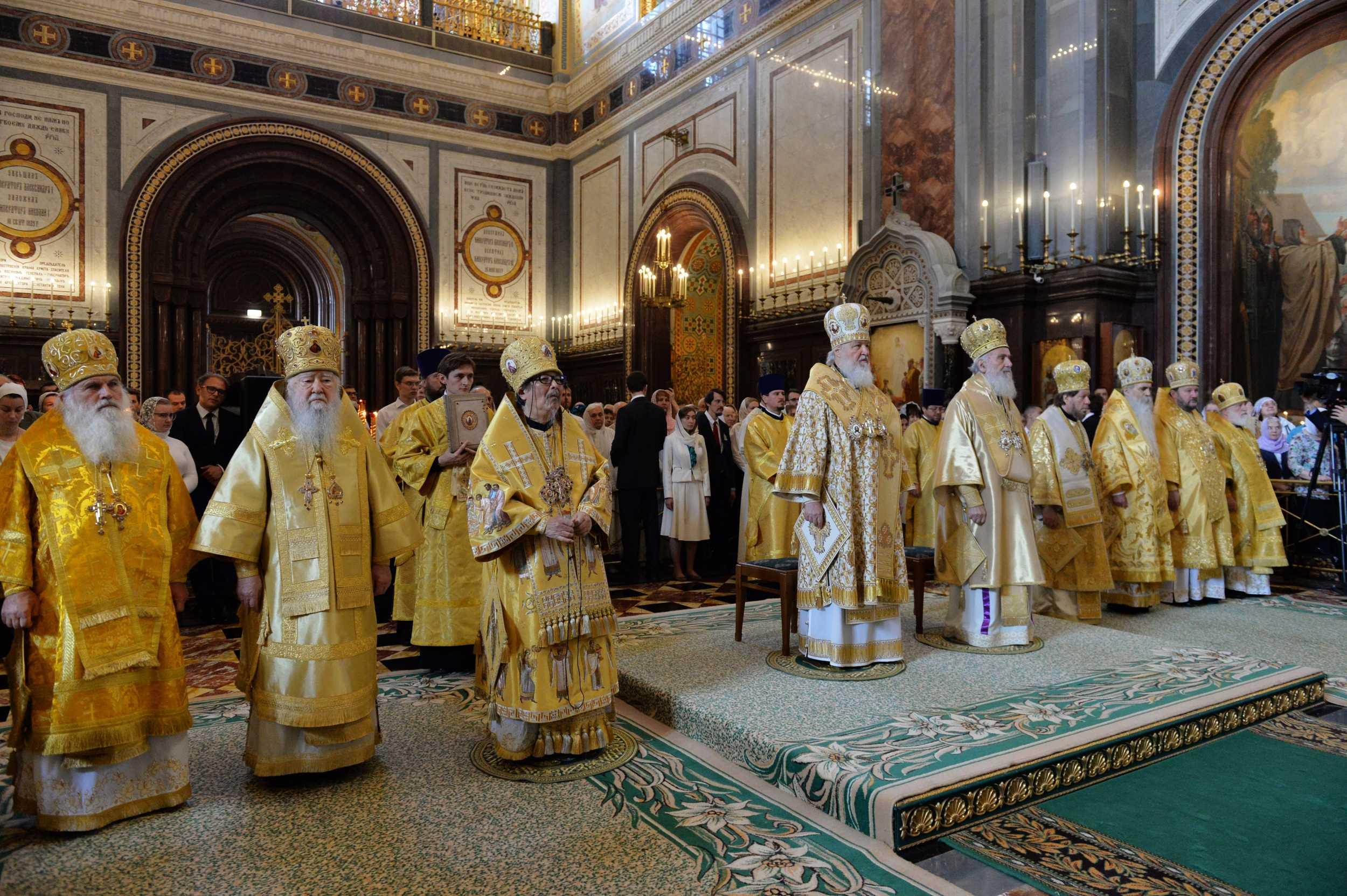 救世主大聖堂での祭日聖体礼儀22日