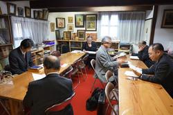 司祭館での誦経奉仕者の学び
