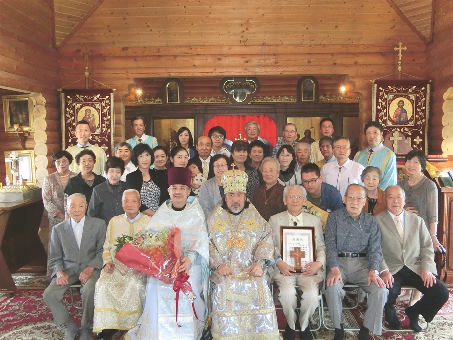 一関正教会聖堂にて記念撮影