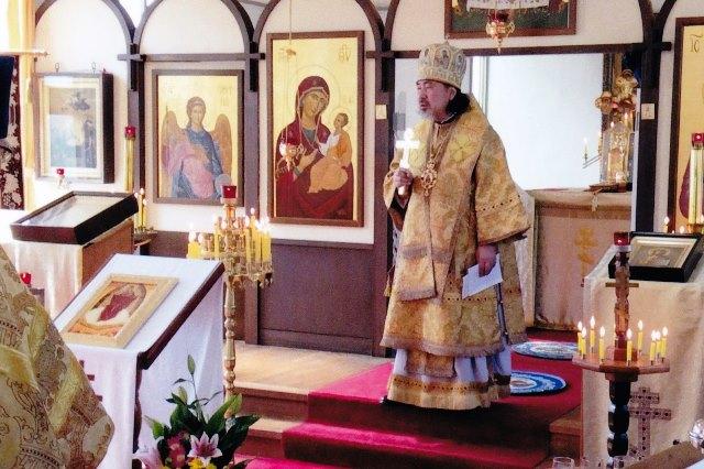 洪水のお見舞いを述べられるセラフィム大主教