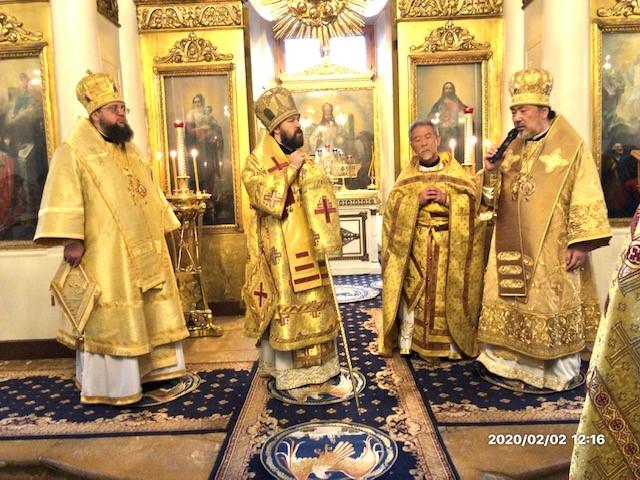 府主教イラリオン座下と共に